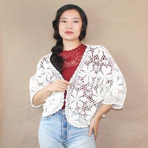 (377) vtg 70s dainty crochet coverlet